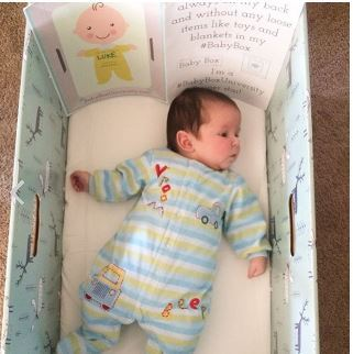 Cajas de cartón para bebés que evitan problemas en su desarrollo