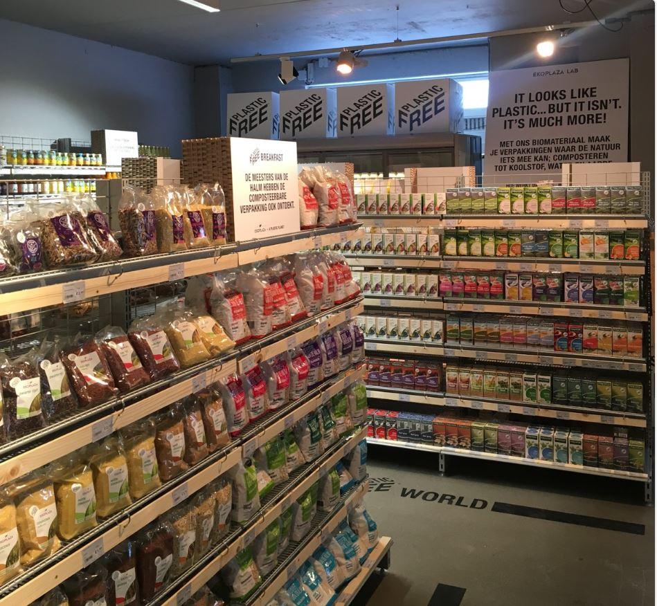 Un supermercado holandés abre una tienda con cerca de 700 productos libres de envases plásticos